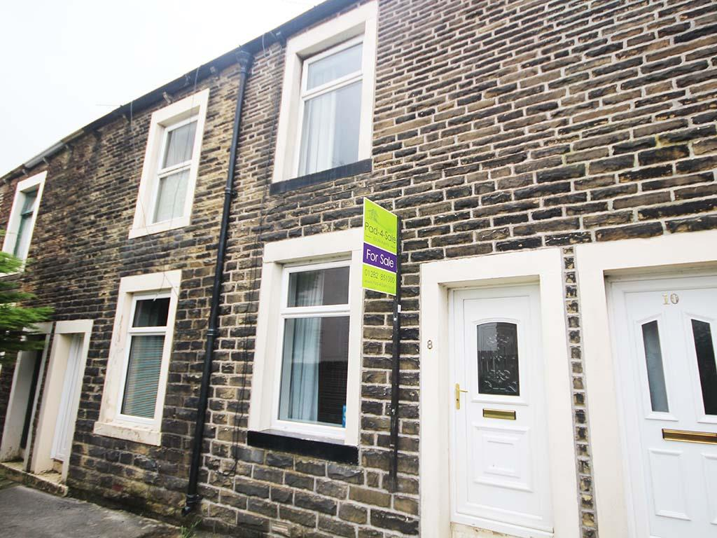 2 bedroom terraced house For Sale in Barnoldswick - Main Image